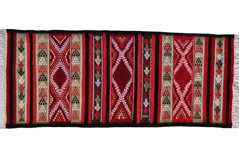 magasin de tapis marocain tapis berbere kilim tunisien annuaire secous. Black Bedroom Furniture Sets. Home Design Ideas